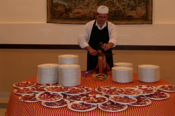 You are browsing images from the article: Cortador de Jamón