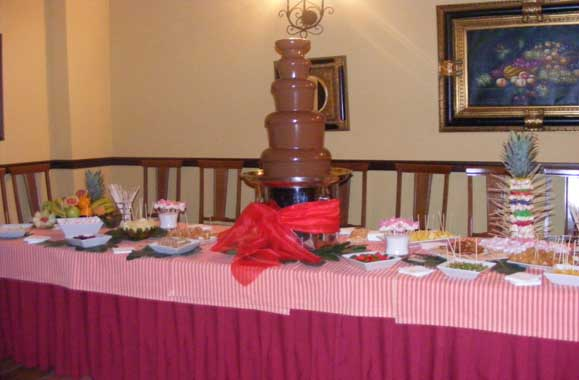 You are browsing images from the article: Fuente de Chocolate